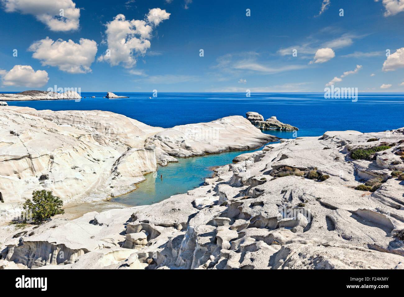 Il famoso Sarakiniko a Milos, Grecia Immagini Stock