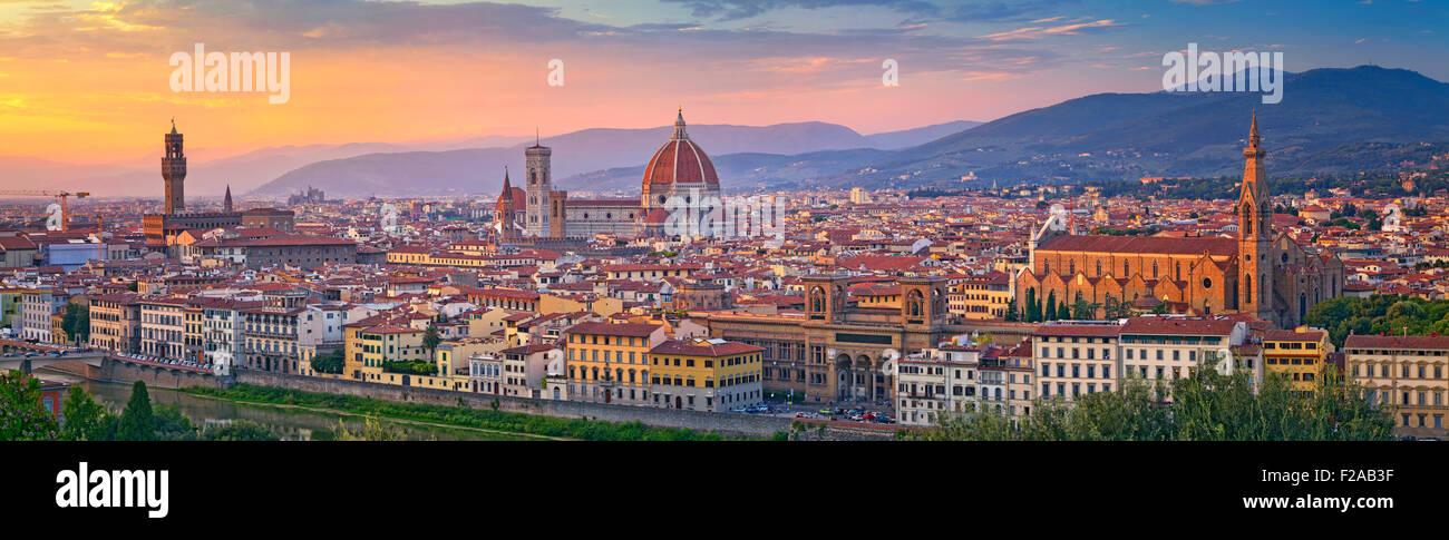 Panorama di Firenze. Immagine panoramica di Firenze, Italia durante il bellissimo tramonto. Immagini Stock