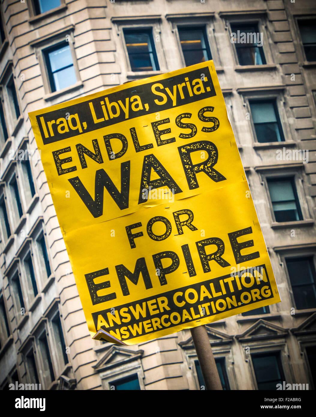 Striscione in segno di protesta contro la guerra in Iraq, Libia e Siria. Immagini Stock