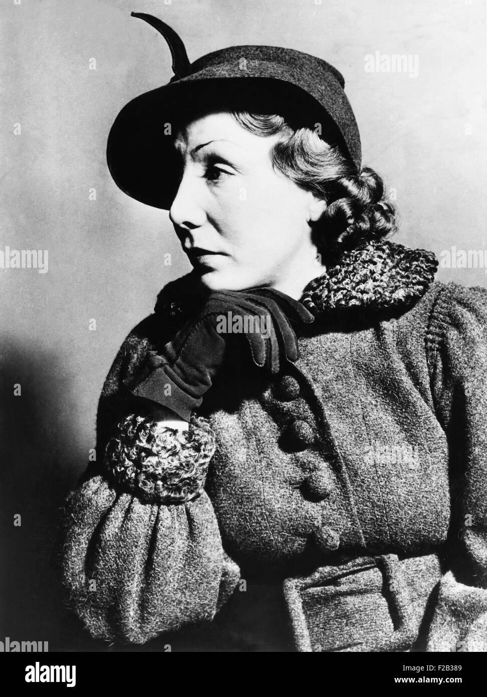 Il mirto Hardy, moglie di Oliver Hardy, nella corte ha citato in giudizio il suo marito per 2500 dollari al mese Immagini Stock