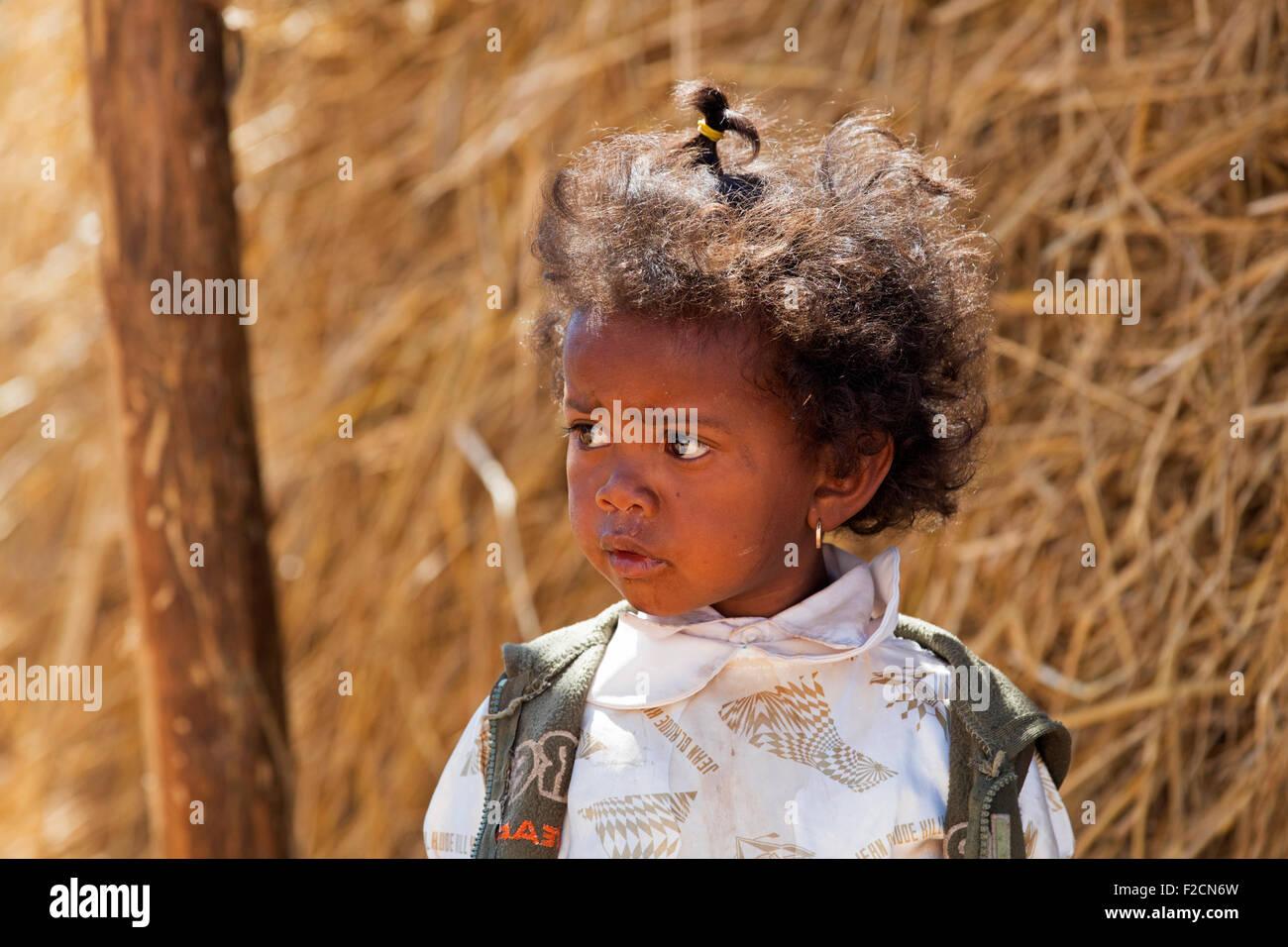 Close up ritratto di bambina della tribù Betsileo, Fianarantsoa, Haute Matsiatra, Madagascar, Africa Sud-est Immagini Stock