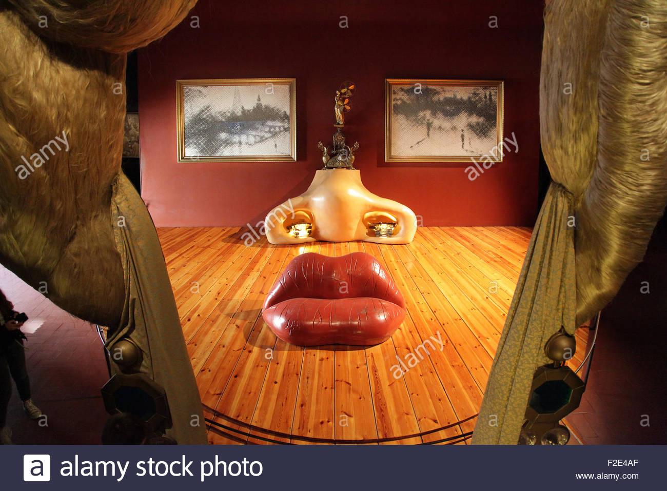 Divano Labbra Di Mae West.Sala Mae West Mae West Divano Lips Di Salvador Dali 1904