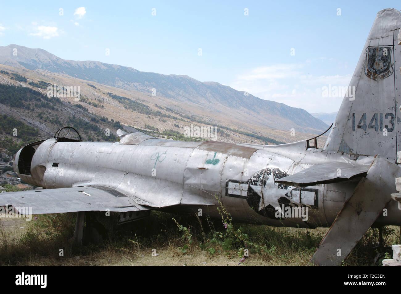 American Air Force piano che sbarcati in Albania nel 1957 durante la Guerra Fredda. Argirocastro Castello. Repubblica Immagini Stock