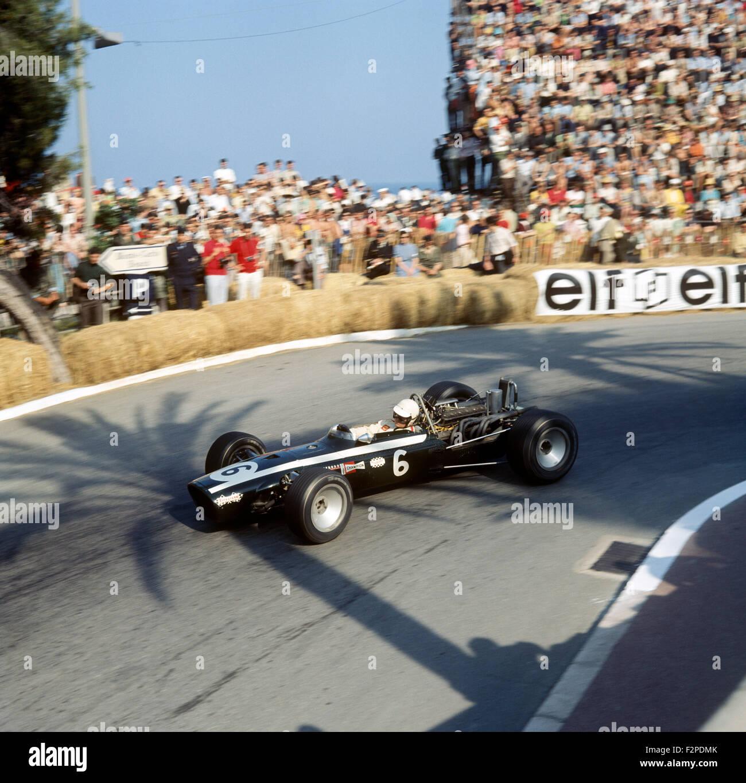 Mike Spence in un loto BRM 25 al GP di Monaco,22 Maggio 1966 Immagini Stock