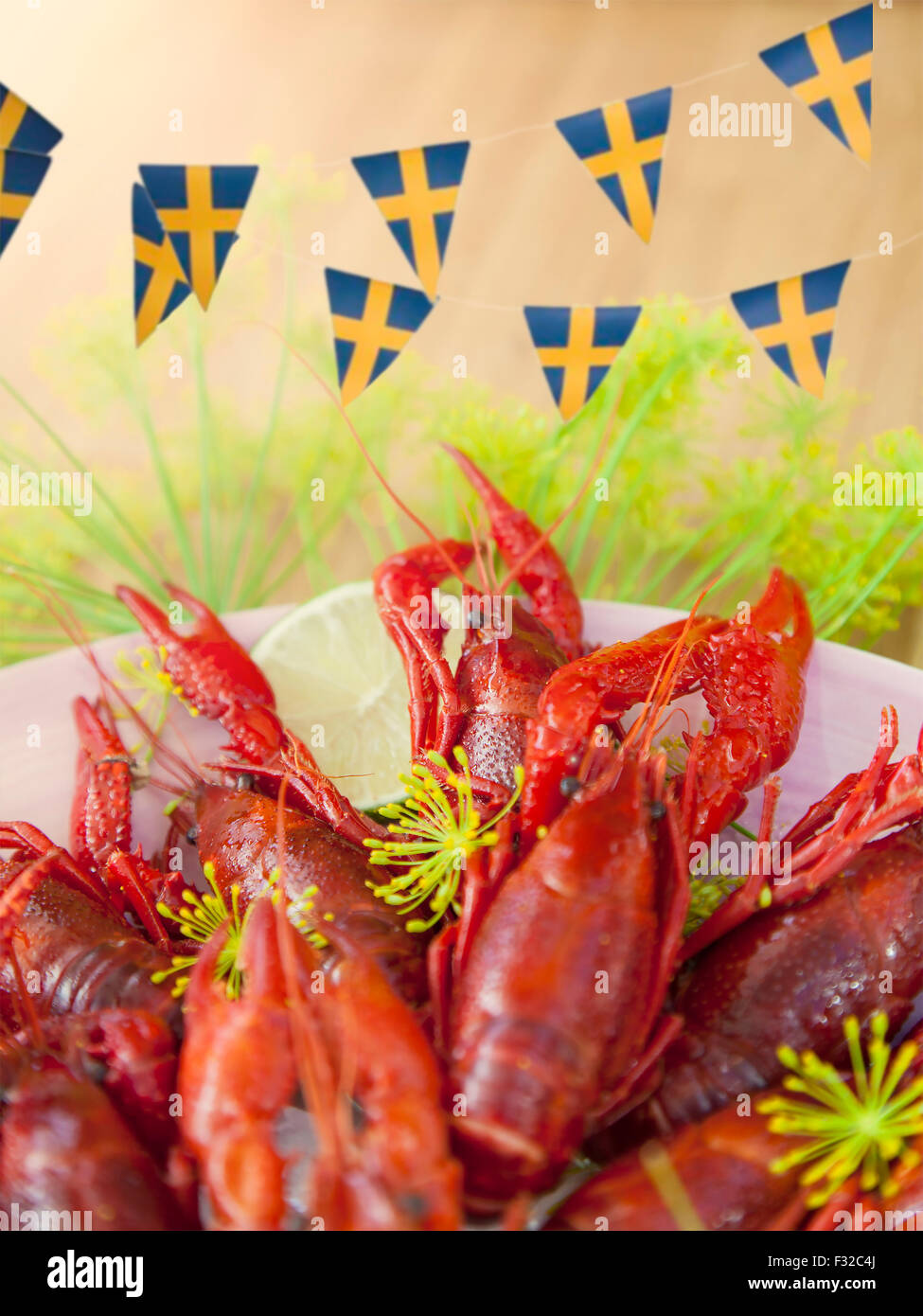 Immagine di un tradizionale svedese partito di gamberi di fiume. Immagini Stock