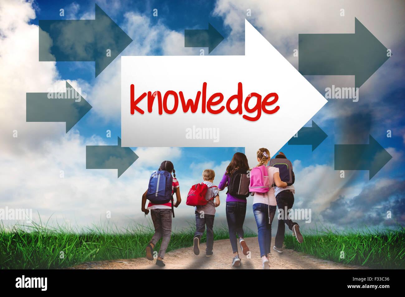 La conoscenza contro la strada che conduce all'orizzonte Immagini Stock
