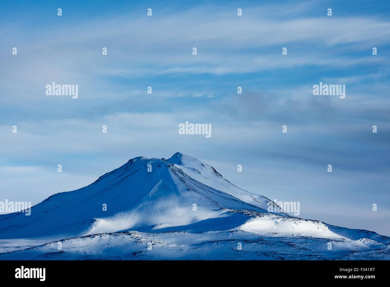 Snowclad Hafrafell, Penisola Snaefellsness, Islanda Immagini Stock