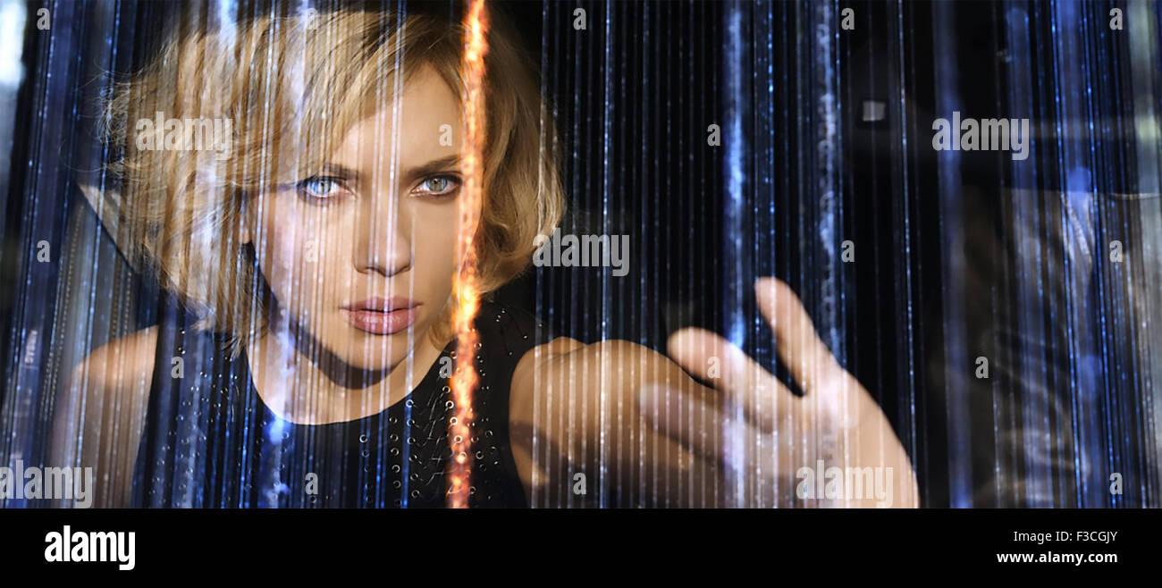 LUCY 2014 Canal+ film con Scarlett Johansson Immagini Stock