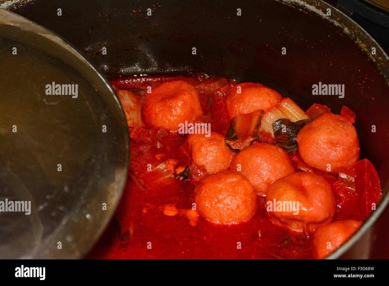 In Medio Oriente la cucina casalinga, Kube Immagini Stock
