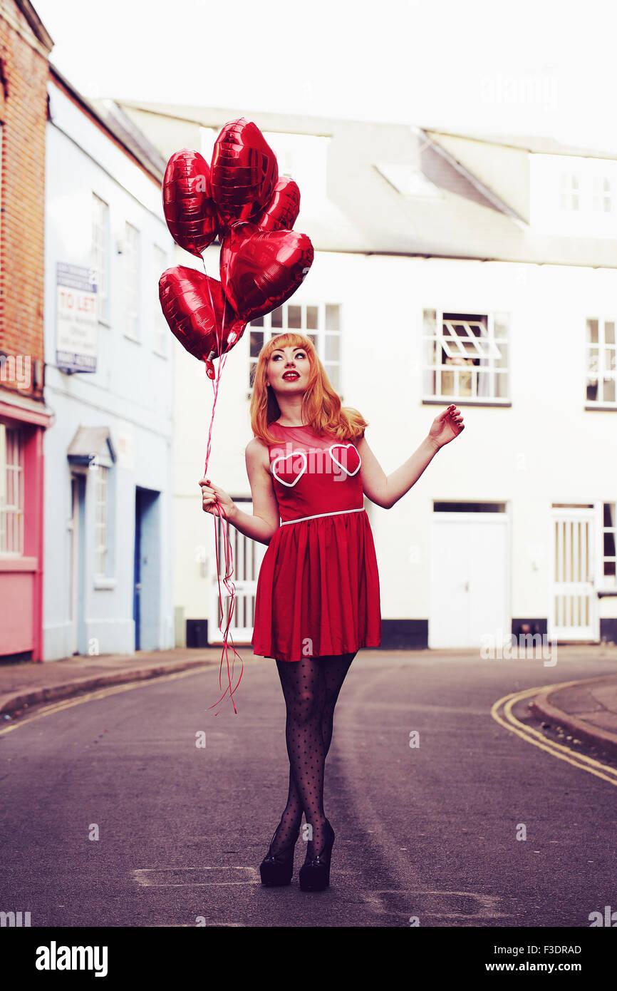 Giovane romantico themed la donna in area urbana Immagini Stock