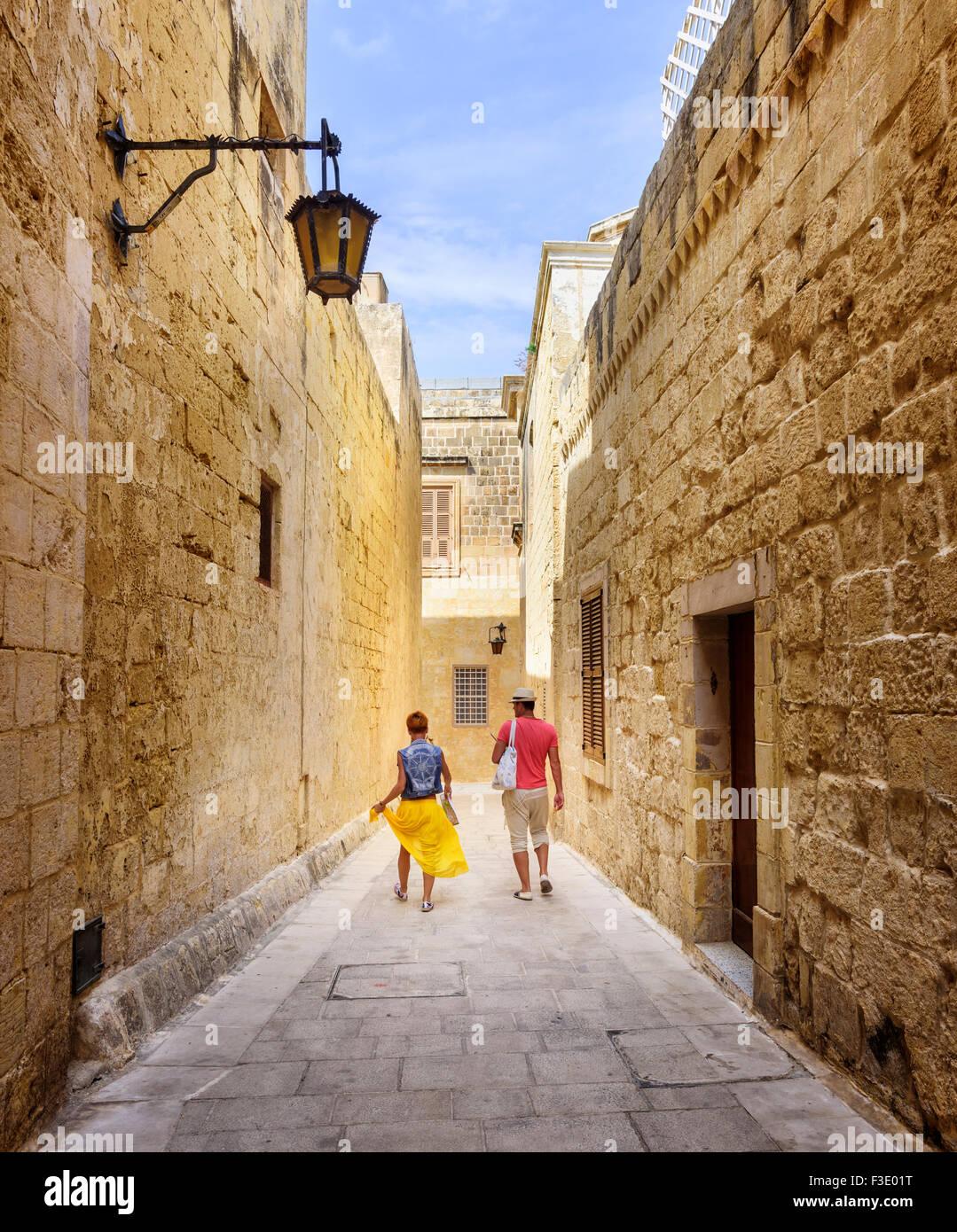 Una tranquilla stradina di Mdina, Malta Immagini Stock