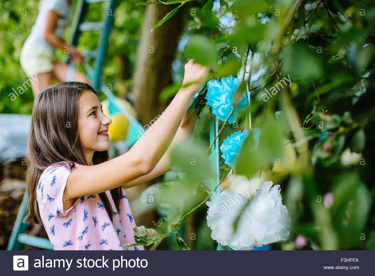 Ragazza giardino decorazione per la festa estiva Immagini Stock