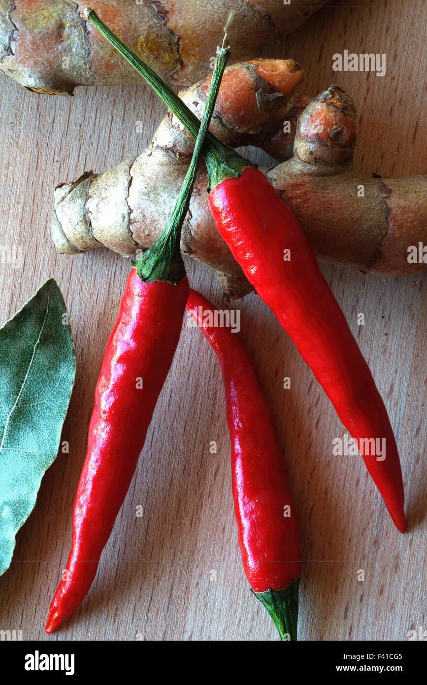 Chilis e curcuma Immagini Stock