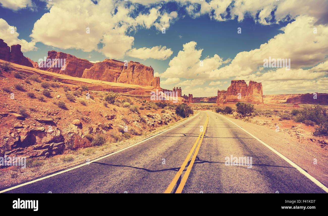 Vintage retrò stilizzata scenic strade del deserto, STATI UNITI D'AMERICA. Immagini Stock