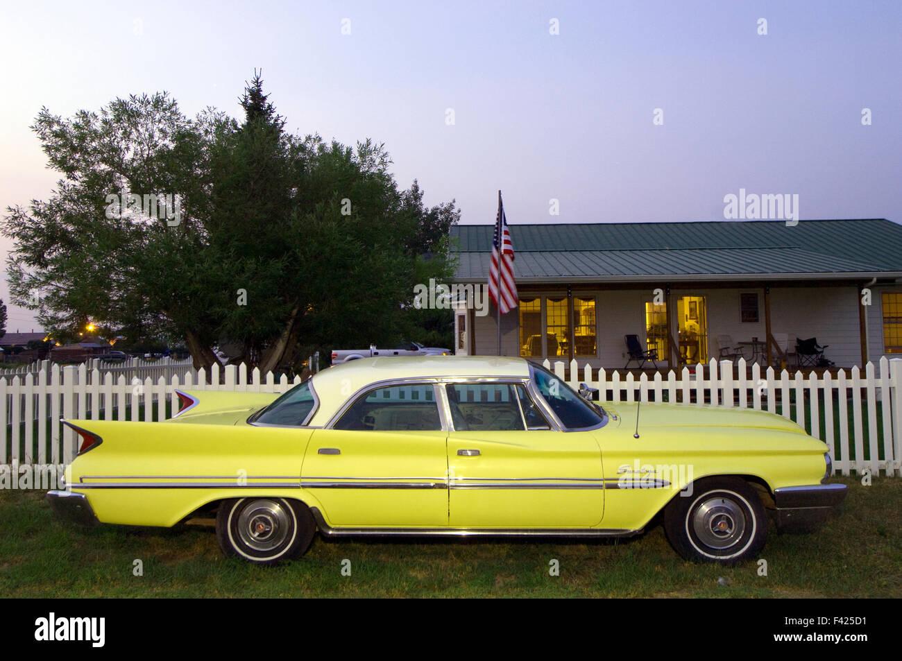 Un po' di Americana. .Una Chrysler Saratoga Montana, USA Foto Stock