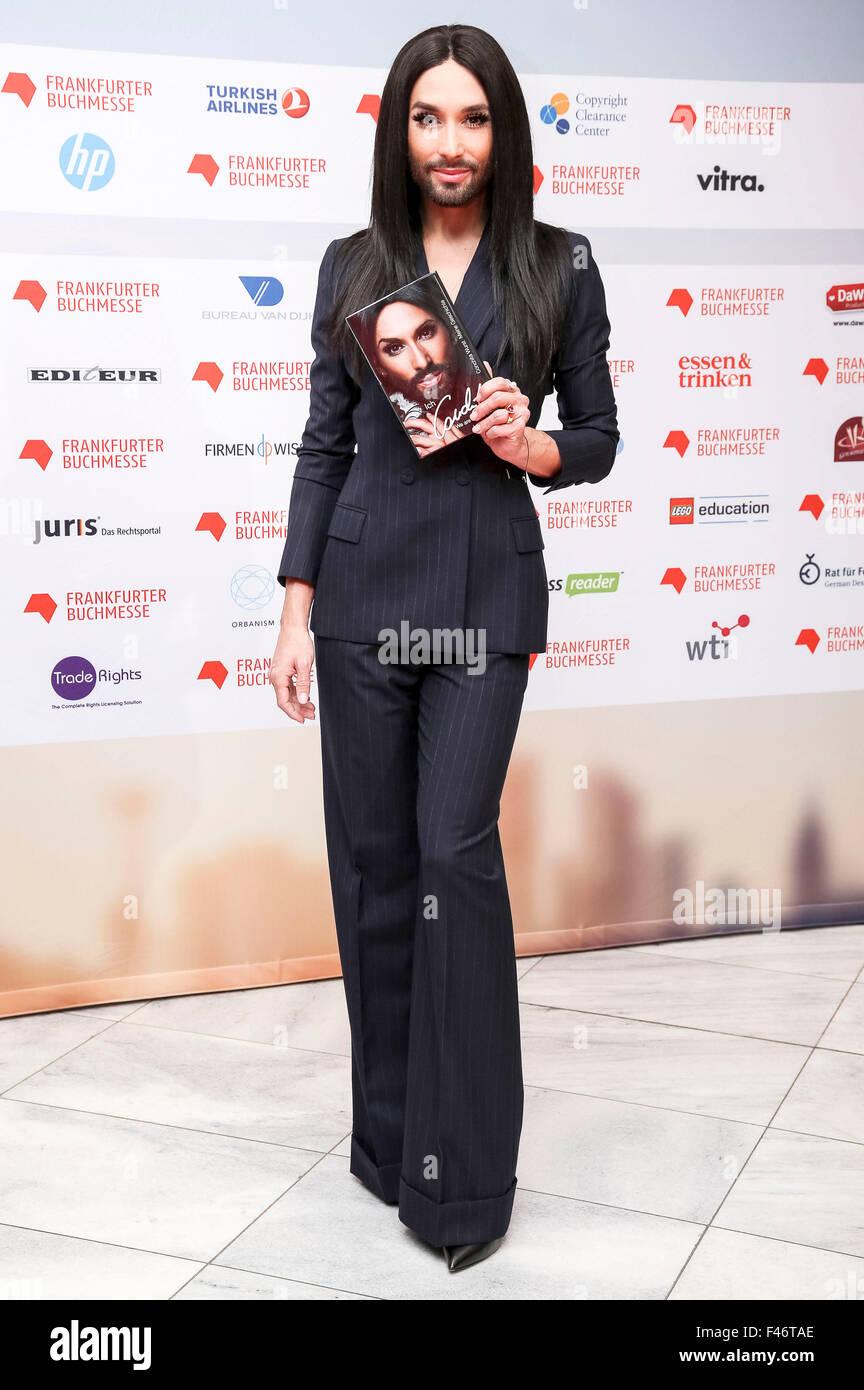 Conchita Wurst in apertura del salone di Francoforte, 13.10.2015 Immagini Stock