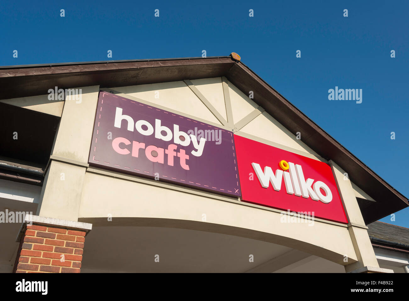 Hobby Craft & Wilko ingresso, due fiumi Shopping Centre, Staines-upon-Thames, Surrey, England, Regno Unito Immagini Stock