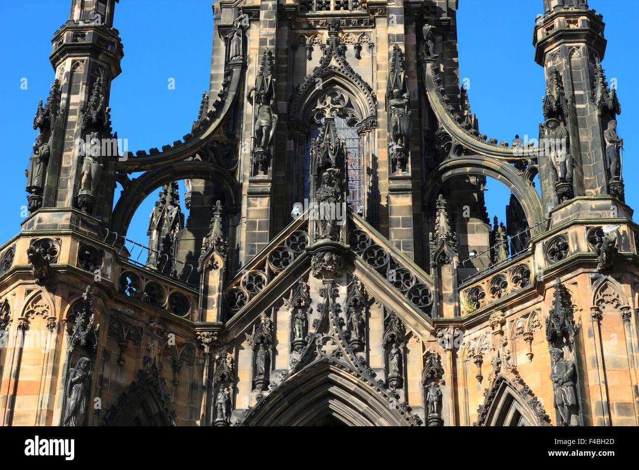 Dettaglio della sezione centrale del monumento di Scott a Edimburgo, Scozia. Immagini Stock