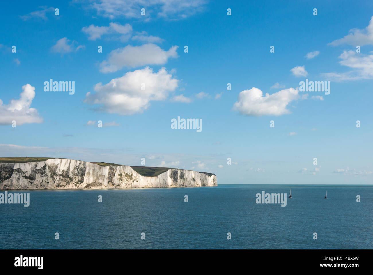Le Bianche Scogliere di Dover sulla costa meridionale del Regno Unito Immagini Stock