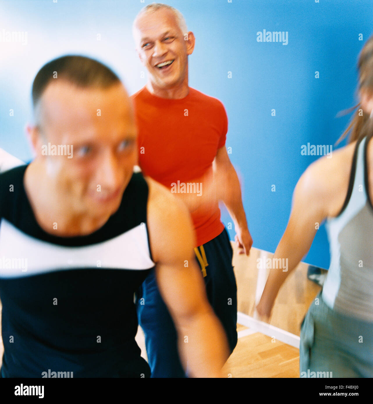 30-34 anni 70-74 anni 75-79 anni di attività solo adulti aerobica bodybuilding atleta immagine a colori uomo Immagini Stock