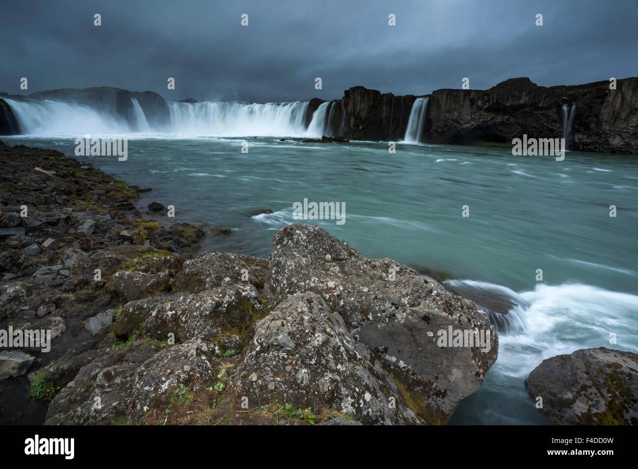 Cascate Godafoss e fiume Skjalfandafljot, Nordhurland Eystra, Islanda. Immagini Stock