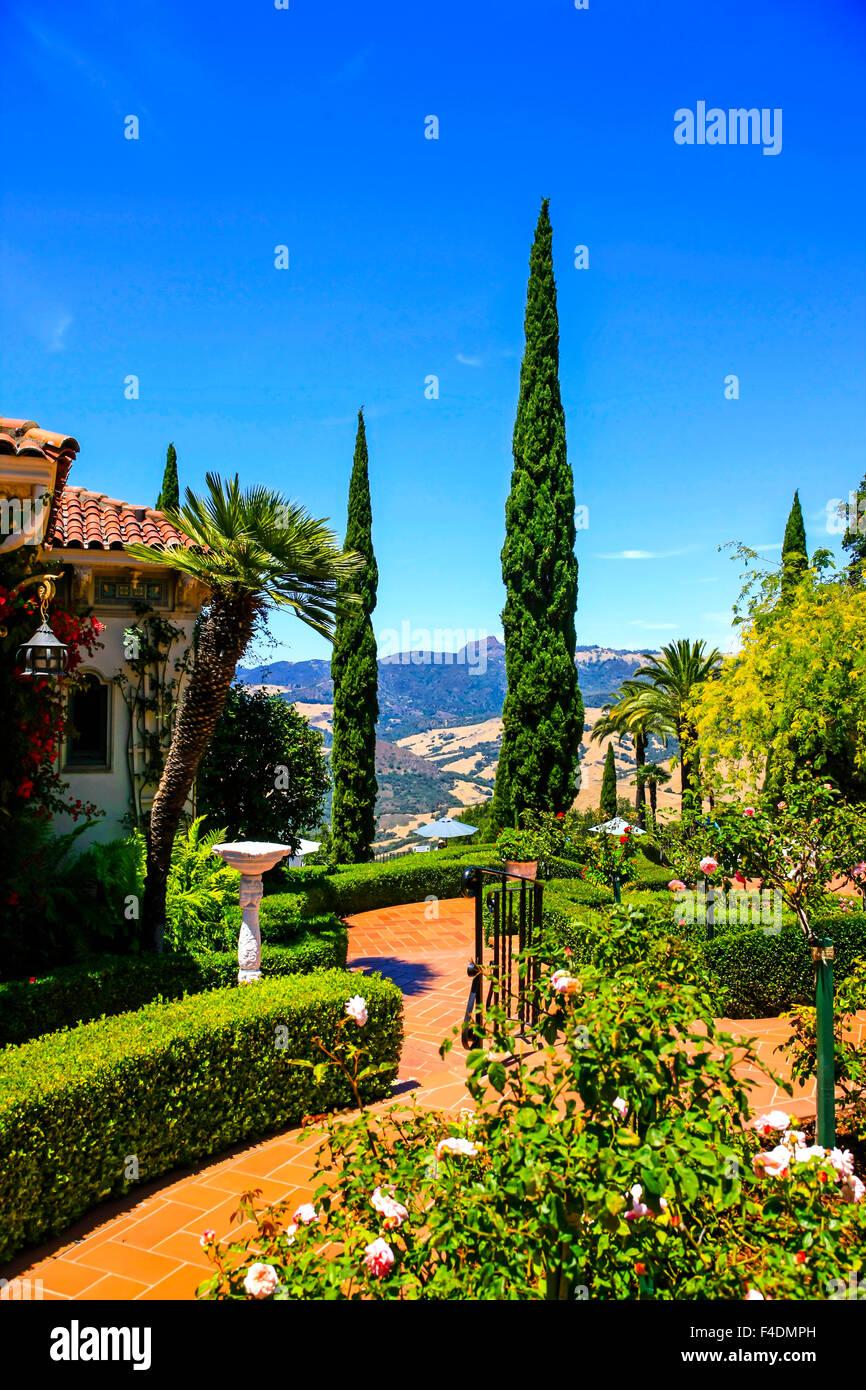 Hearst castle style immagini hearst castle style fotos for Giardini in terrazza immagini