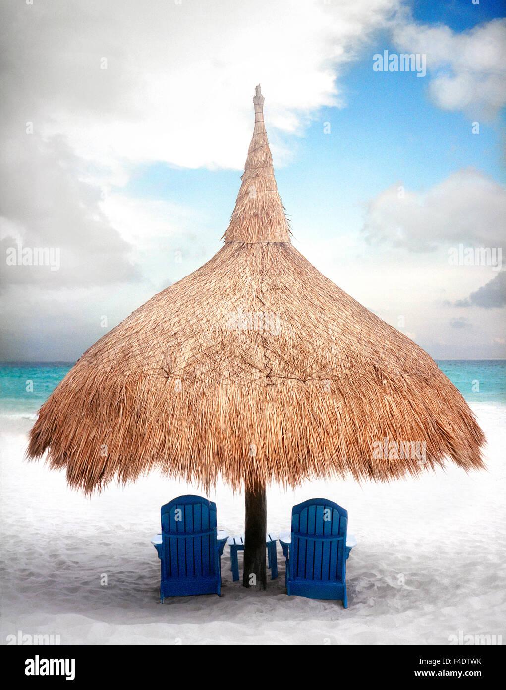 Una spiaggia a palapa Maroma Spa e Resort. Yucatan, Messico Immagini Stock
