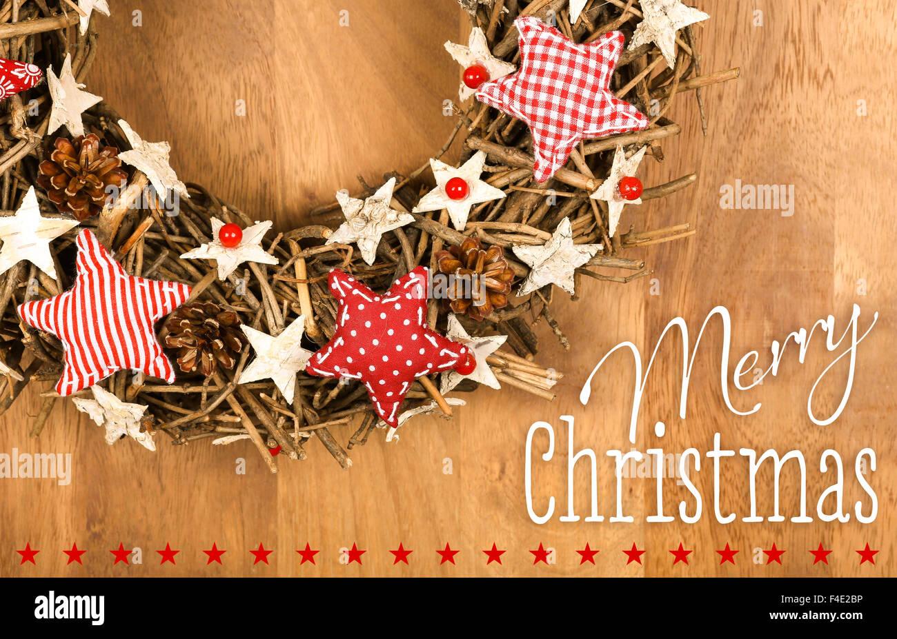 Buon Natale Shabby Chic.Buon Natale Messaggio Ghirlanda Fatta A Mano Decorazione Shabby Chic In Legno Bianco Stelle Con Rosso Gingham Tessuto Pattern Su B In Legno Foto Stock Alamy