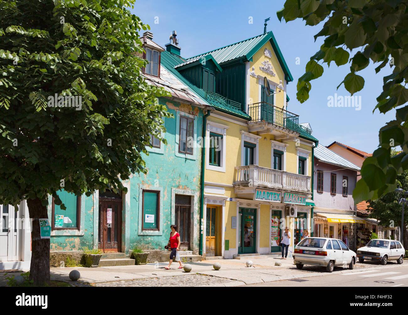 Cetinje, Montenegro. Tipica scena in Baja Pivljanina street Immagini Stock