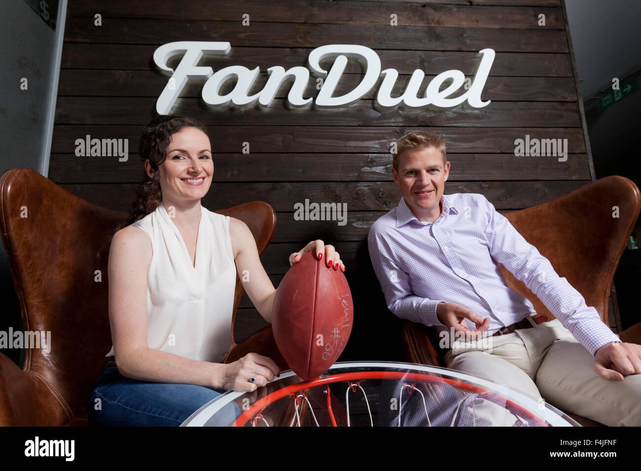 Nigel (destra) e Lesley Eccles. Co-fondatori di online fantasy piattaforma sportiva, FanDuel. Edimburgo, Scozia. Immagini Stock