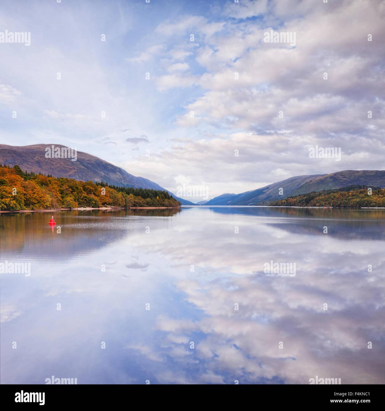 In autunno, Loch Lochy, Highland, Scozia. Regno Unito Immagini Stock