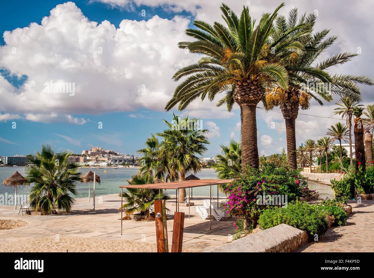 La passeggiata sul lungomare di Ibiza. Isole Baleari. Spagna Immagini Stock