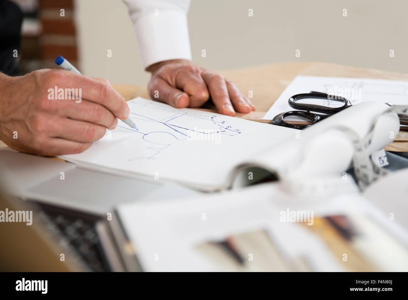 Adattare il disegno degli schemi di taglio Immagini Stock