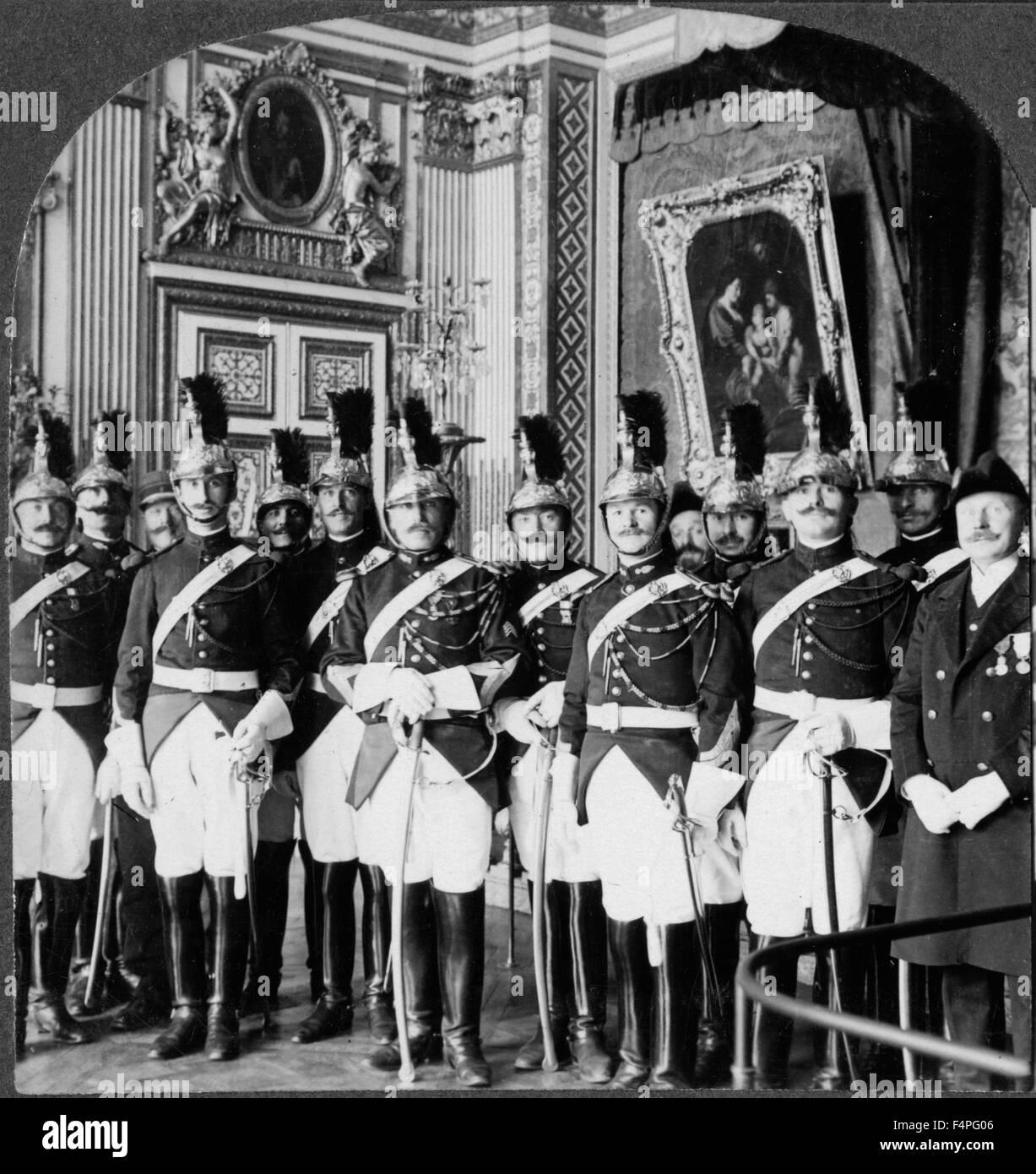 Le protezioni della Repubblica Palazzo di Versailles durante la firma del Trattato Francia Keystone visualizzazione Immagini Stock