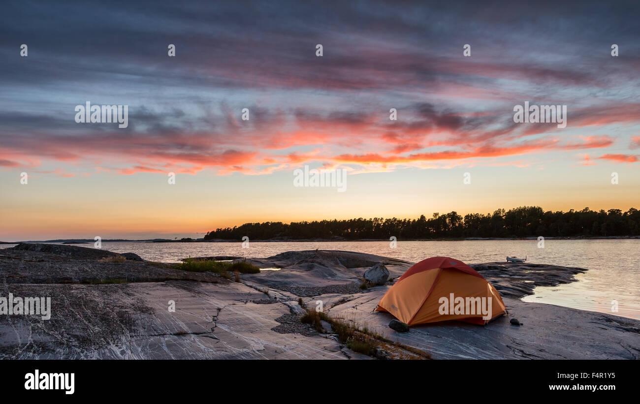 Campeggio a Tjuvskär isola, Kirkkonummi, Finlandia, Europa, UE Immagini Stock