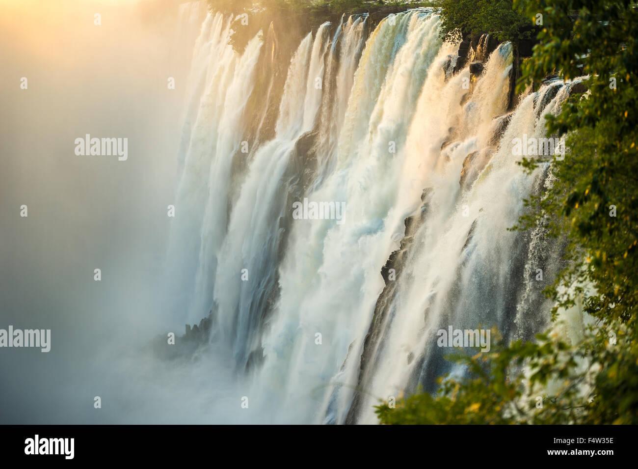 LIVINGSTONE, Zambia, AFRICA - Victoria Falls (Mosi-oa-Tunya) , mondi più grande cascata , sul fiume Zambesi Immagini Stock