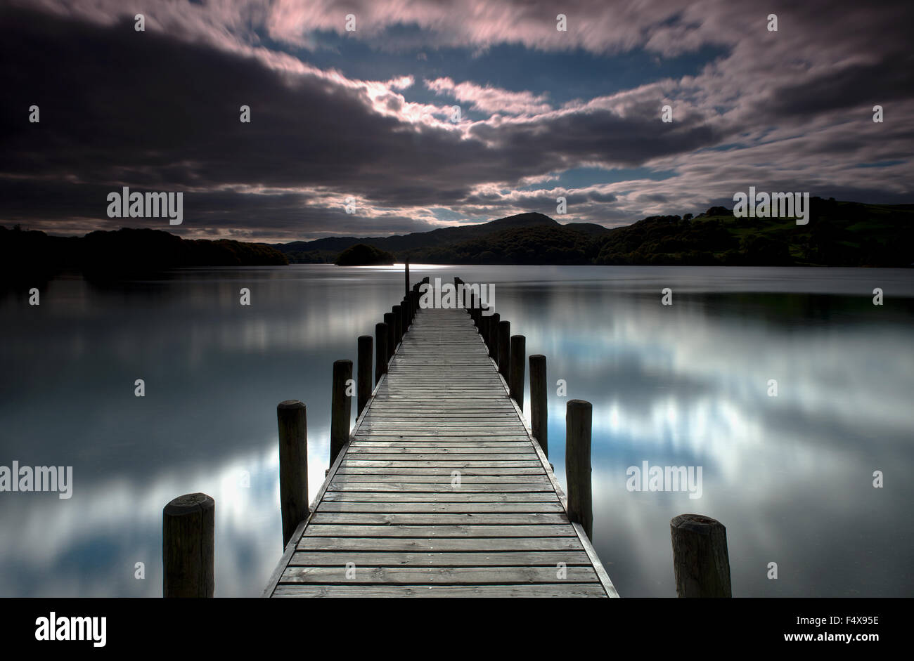 Parkamoor Jetty di Coniston Water, Lake District, Cumbria, Regno Unito, GB. Immagini Stock