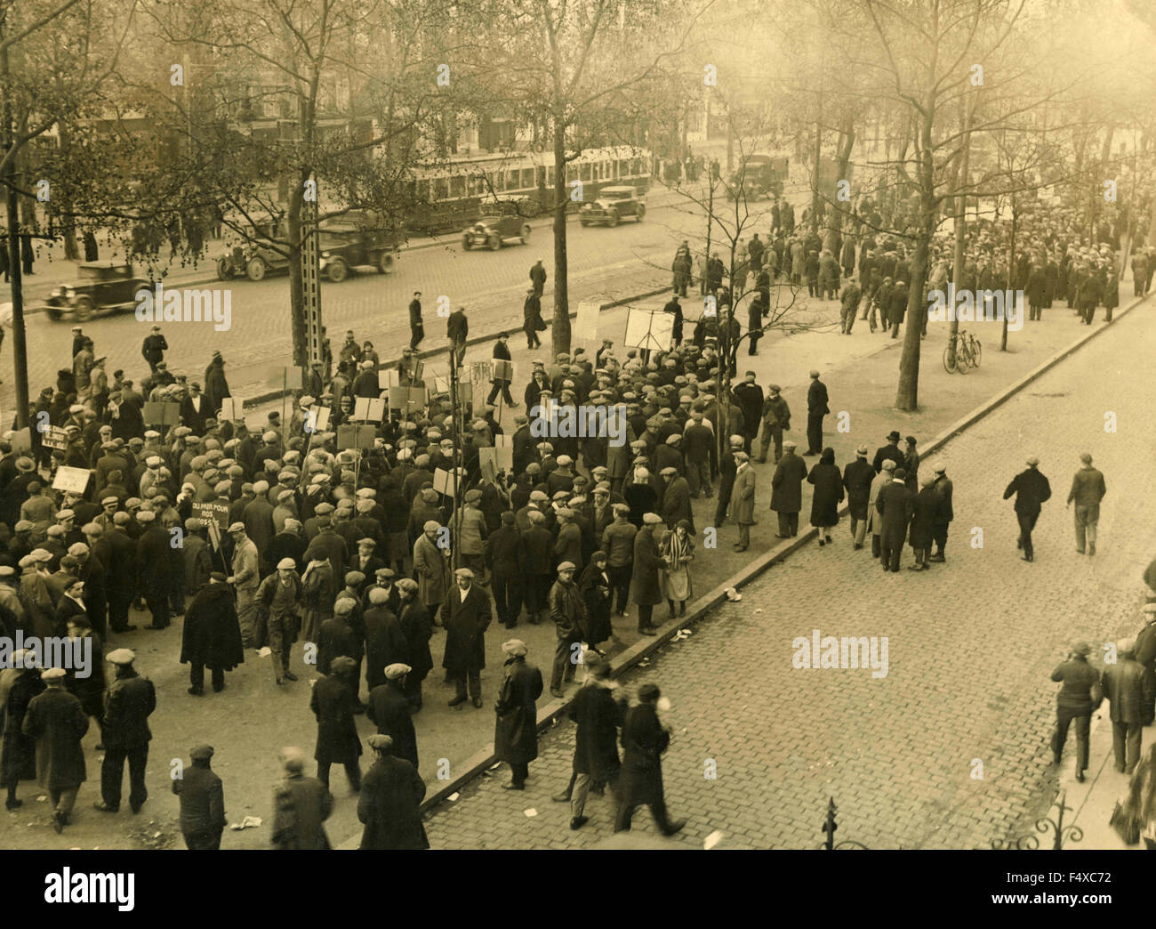 Sciopero e protesta a Parigi durante la Grande Depressione, Francia Immagini Stock