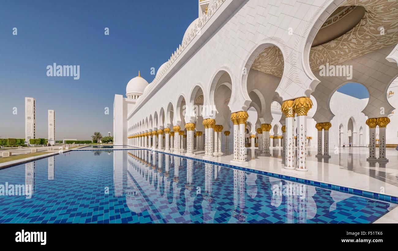 Sheikh Zayed Grande Moschea di Abu Dhabi, negli Emirati Arabi Uniti. Immagini Stock