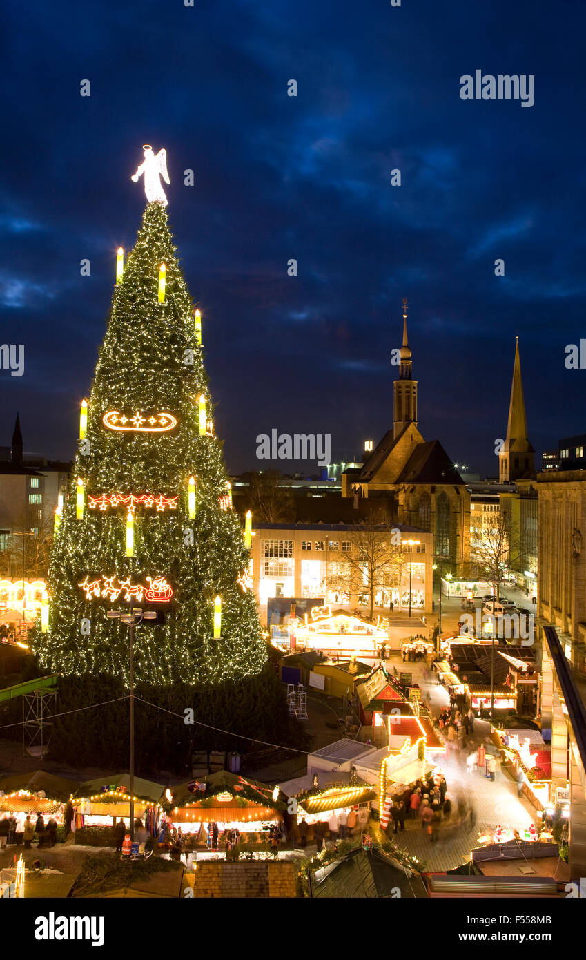 DEU, Deutschland, Renania settentrionale-Vestfalia, Ruhrgebiet, Dortmund, Weihnachtsbaum hoechster der Welt auf Immagini Stock