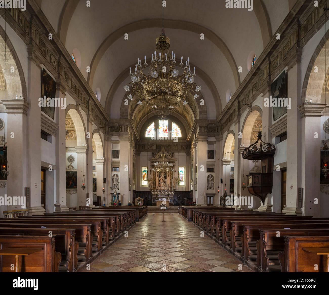 Chiesa di Santa Maria Assunta di Arco, interno, Arco, Trentino-Alto Adige, Alto Adige, Italia Immagini Stock