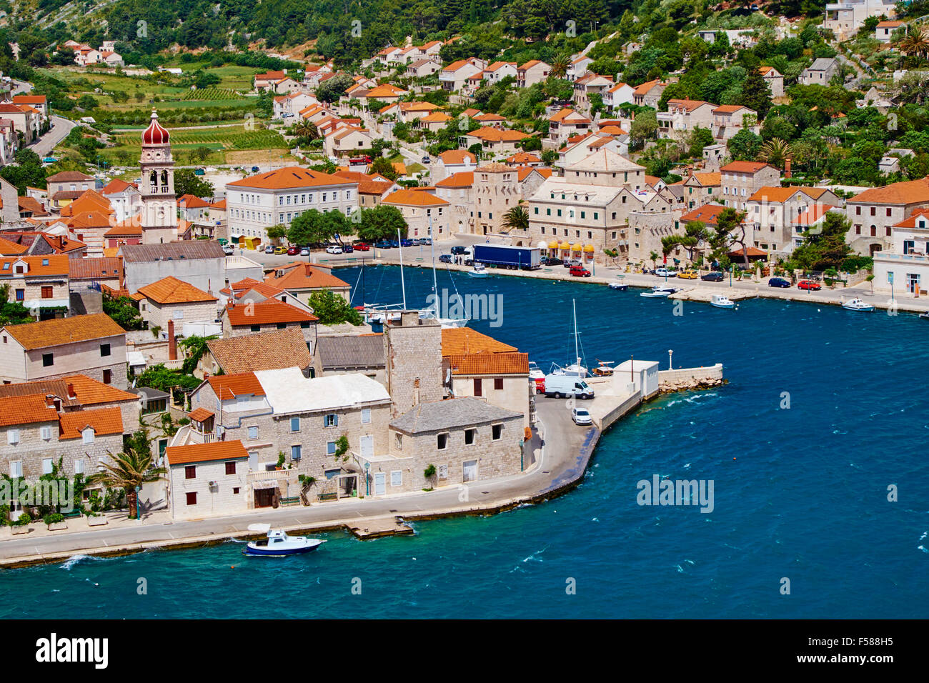 Croazia, Dalmazia, isola di Brac, Pucisca village Immagini Stock