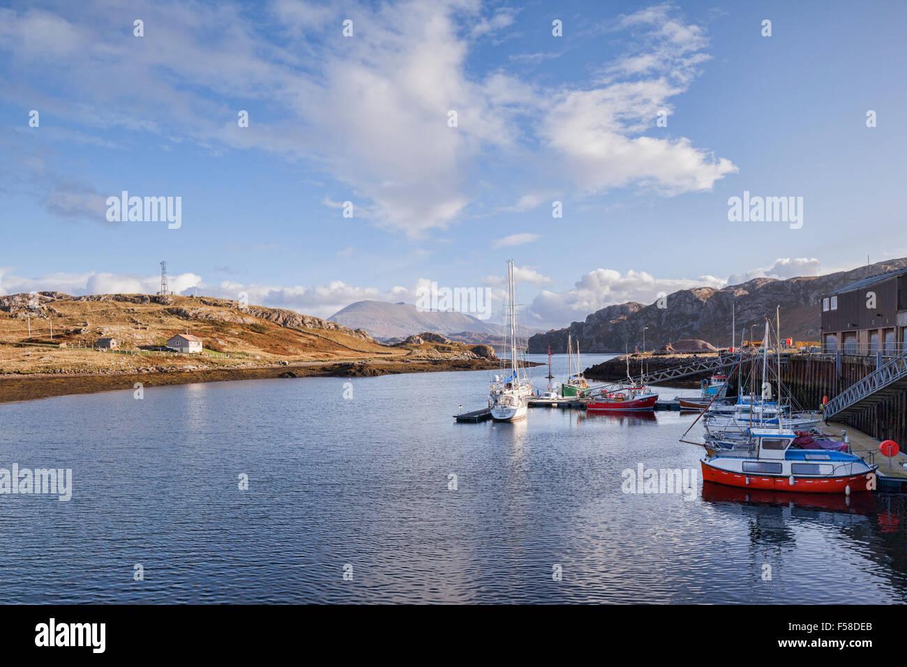 Il porto di Kinlochbervie, di un porto di pesca in Sutherland, Scotland, Regno Unito. Foto Stock