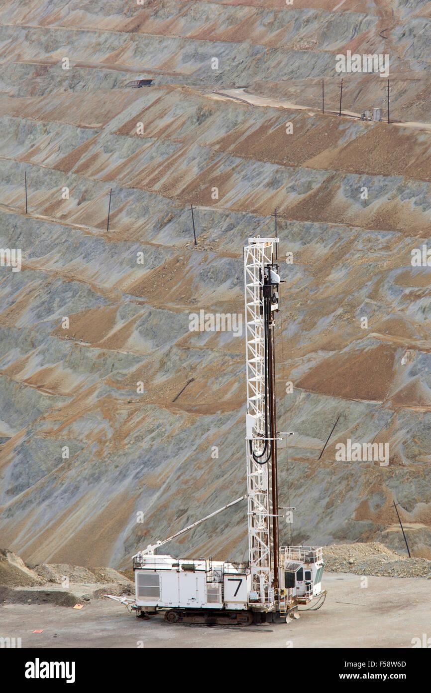 Santa Rita, New Mexico - di una piattaforma di perforazione nel Chino fossa aperta miniera di rame, azionato da Immagini Stock