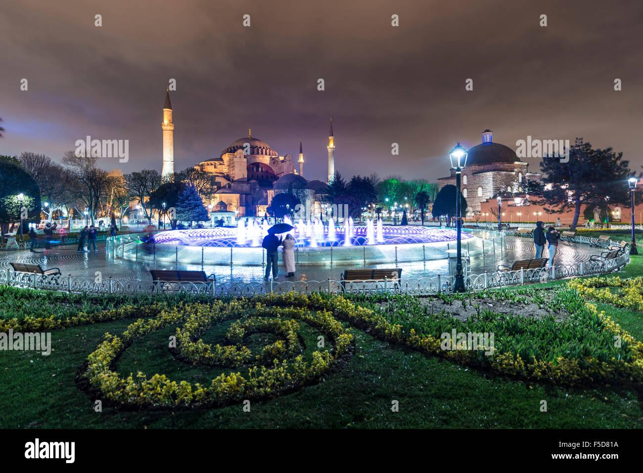 Hagia Sophia, Sultan Ahmet Park, fontana, Istanbul, parte europea, Turchia Immagini Stock