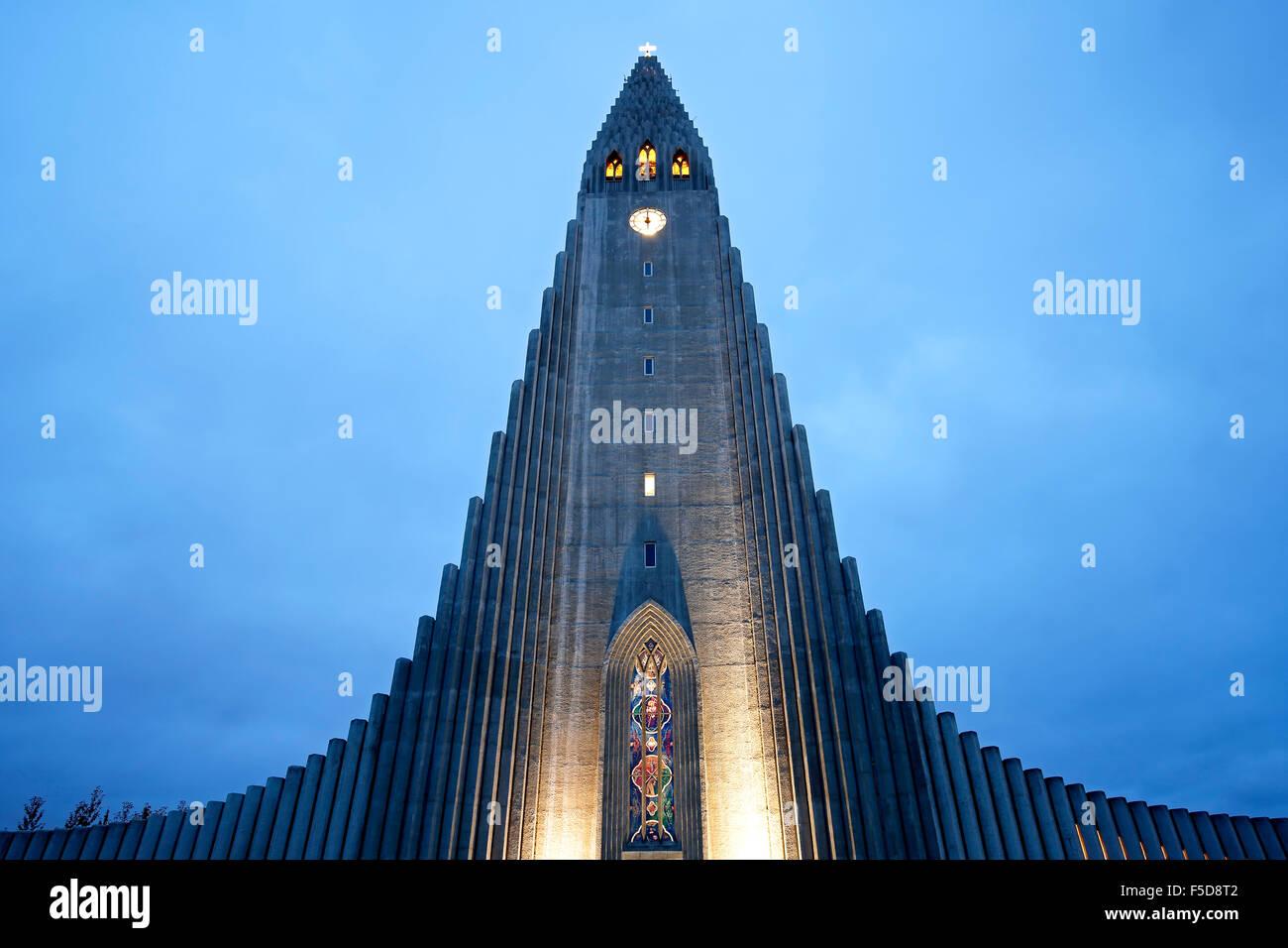 Chiesa Hallgrims (Hallgrimskirkja dallo stato architetto Guðjón Samúelsson), Reykjavik, Islanda Immagini Stock
