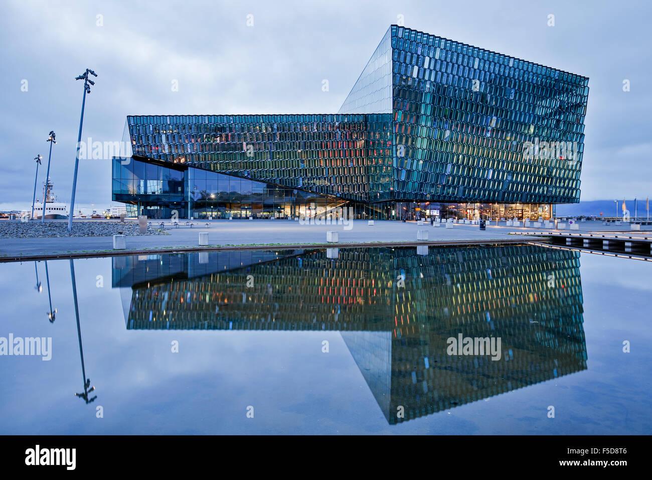 Harpa Concert Hall e il centro conferenze, Reykjavik, Islanda Immagini Stock