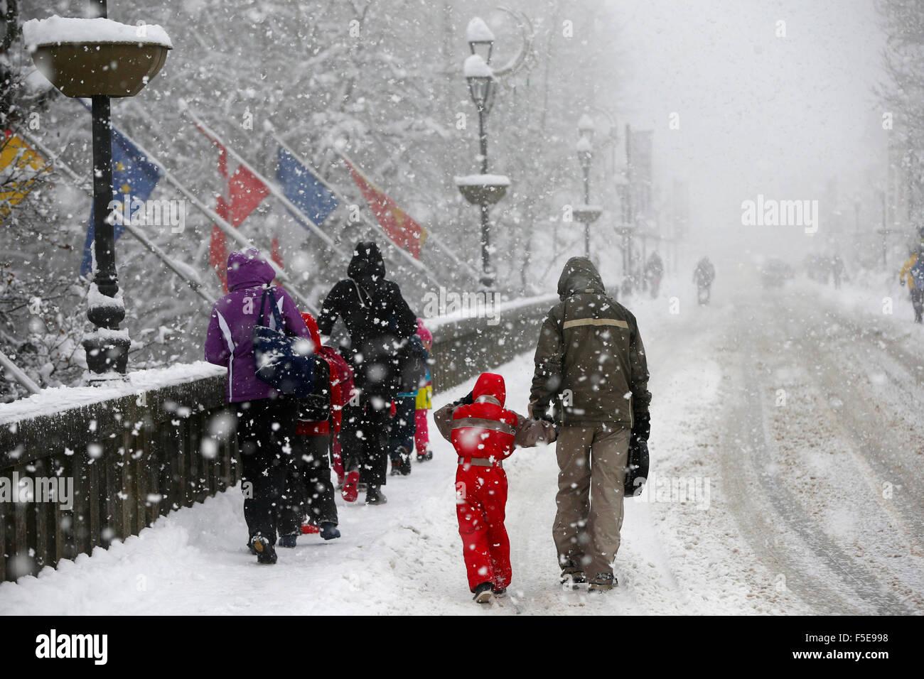 Nevicata, Saint-Gervais-les-Bains, Alta Savoia, Francia, Europa Immagini Stock