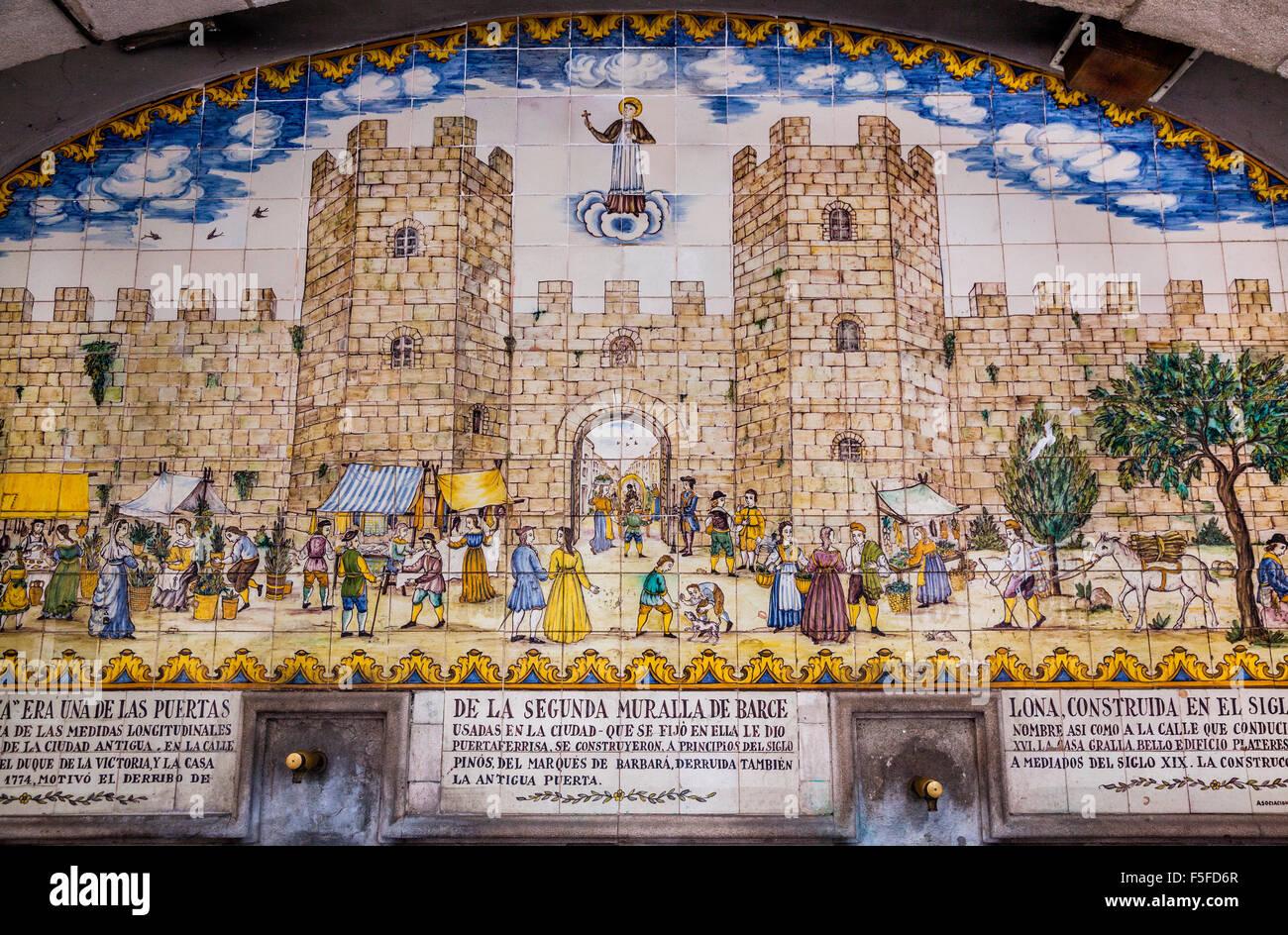In Spagna, in Catalogna, Barcellona, La Rambla, piastrella murale di antica Barcellona a Portaferrisa Fontana Immagini Stock