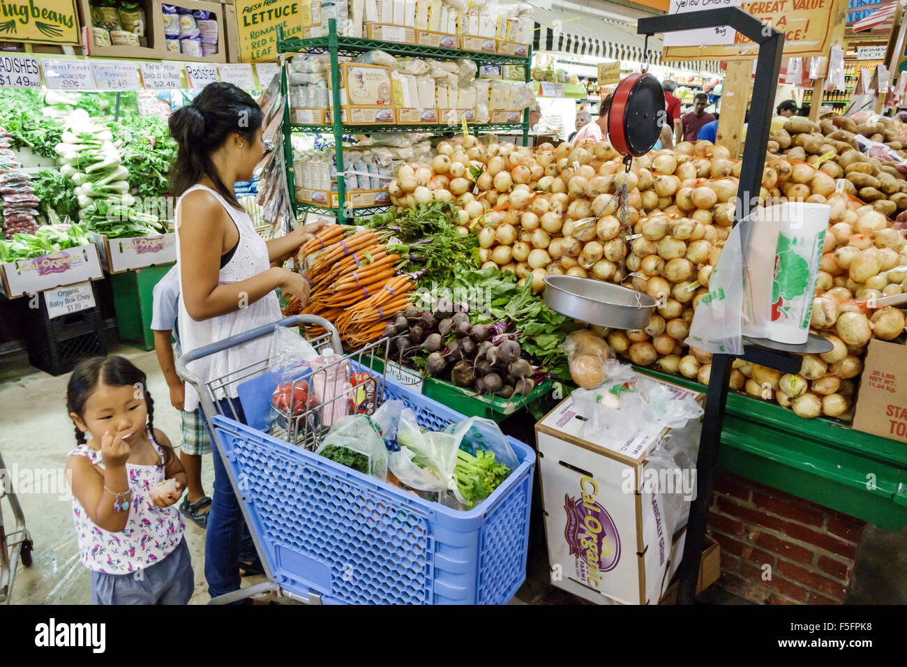 Florida Delray Beach Boys Farmers Market negozio di alimentari supermercato alimentare display vendita shopping Immagini Stock